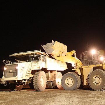 Front end loader placing material into a haul truck at the El Gallo Mine in Sinaloa, Mexico.