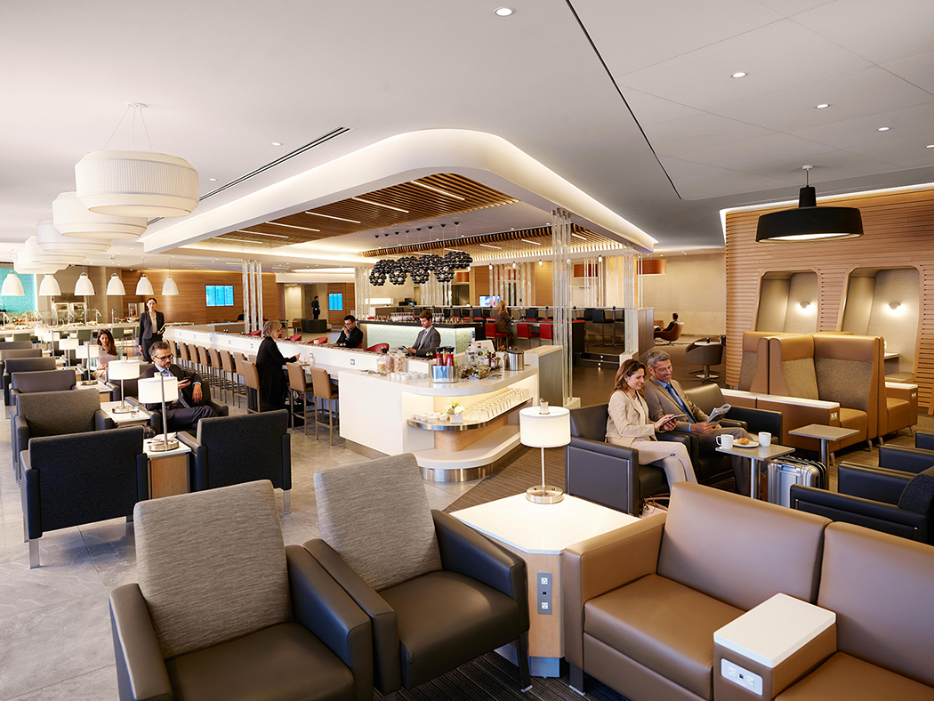 Αποτέλεσμα εικόνας για American Airlines is the first U.S. airline to open a restaurant-style dining experience