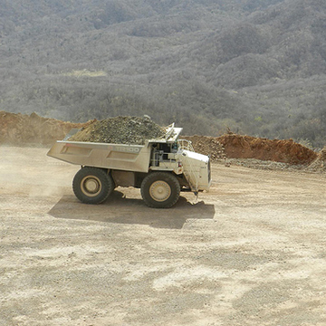 100 tonne haul truck moving ore to the crushers from Sagrado open pit